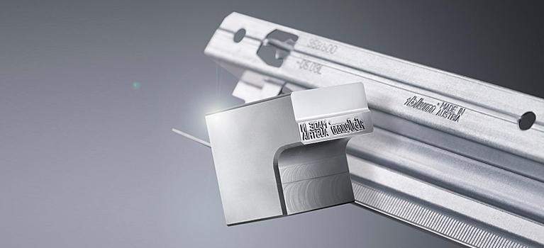 Лазерная гравировка на металлических шильдах